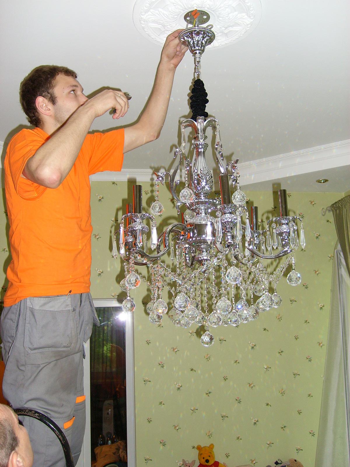 Перевозка офисной мебели Санкт-Петербург